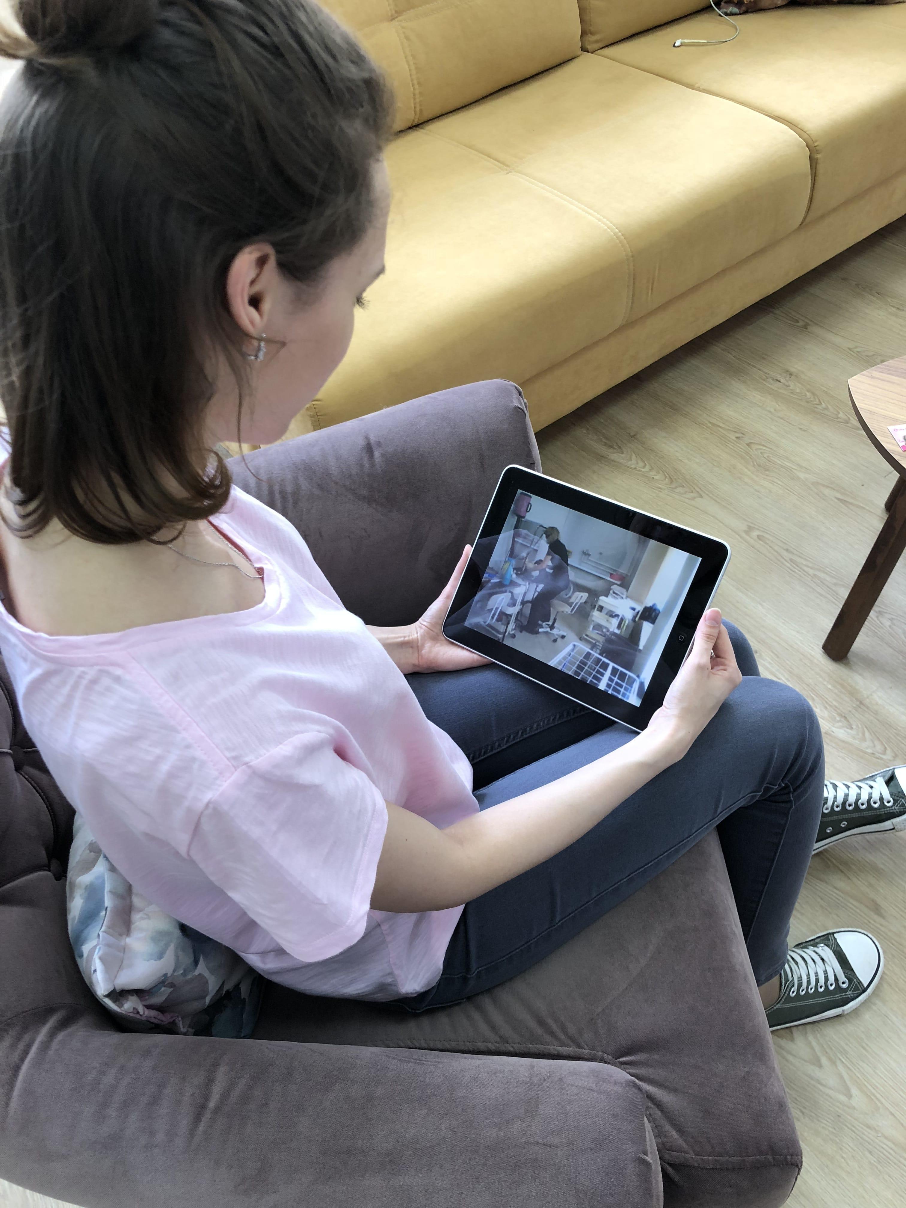 За работой мастера можно наблюдать онлайн!